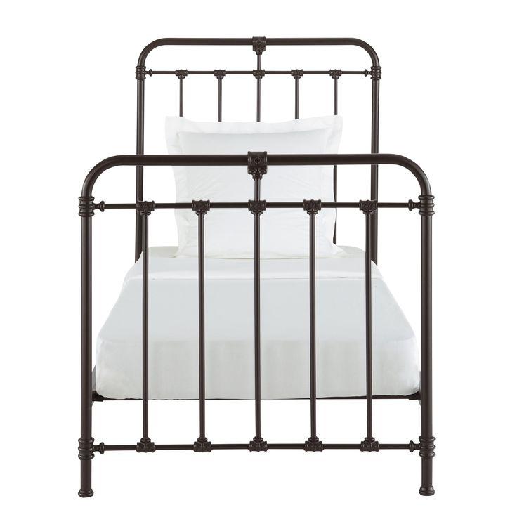 17 beste idee n over metalen bedden op pinterest metalen bedframe ijzeren bedframe en ijzeren - Zwart witte tiener slaapkamer ...