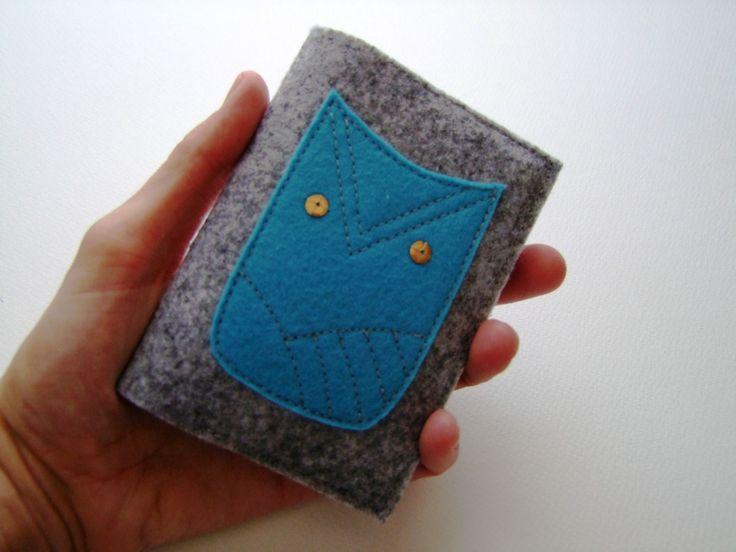 Baglyos filc igazolványtok Felt card holder with a blue owl