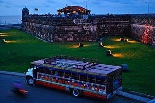 Chiva Rumbera en el Castillo San Felipe
