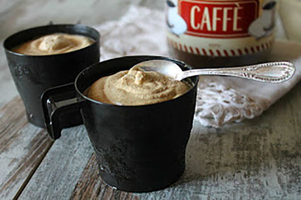 Ecco a voi la ricetta della coppa del nonno, un gustoso gelato al caffè fatto con il nostro fidato Bimby. Facile e gustoso, soprattutto adatto ai bambini!