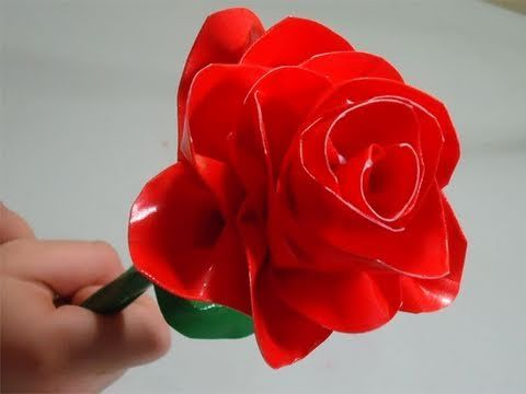 In this episode we show you How to make a realistic duct tape rose    For more information about this tutorial visit :      http://www.simplekidscrafts.com/  http://www.artsandcraftstv.com/    and English:    http://www.manualidadesconninos.com/  http://www.manualidadestv.com/    Simple Kids Crafts (www.simplekidscrafts.com) is a video blog dedi...