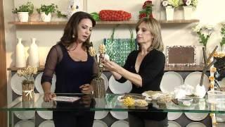 Aprenda a fazer uma linda flor com cascas de pistache!, via YouTube.
