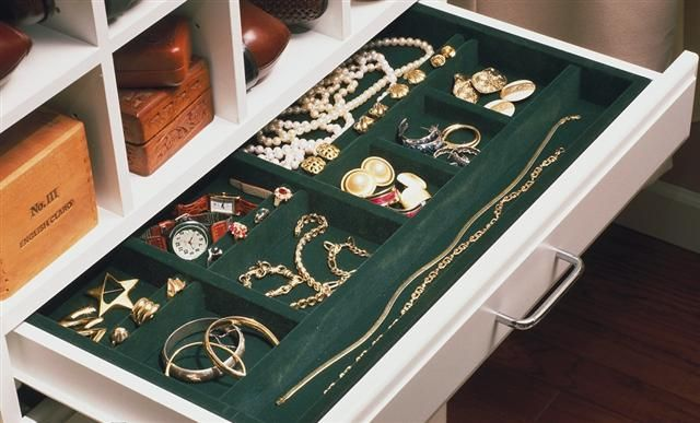 Jewelry drawers in built ins?