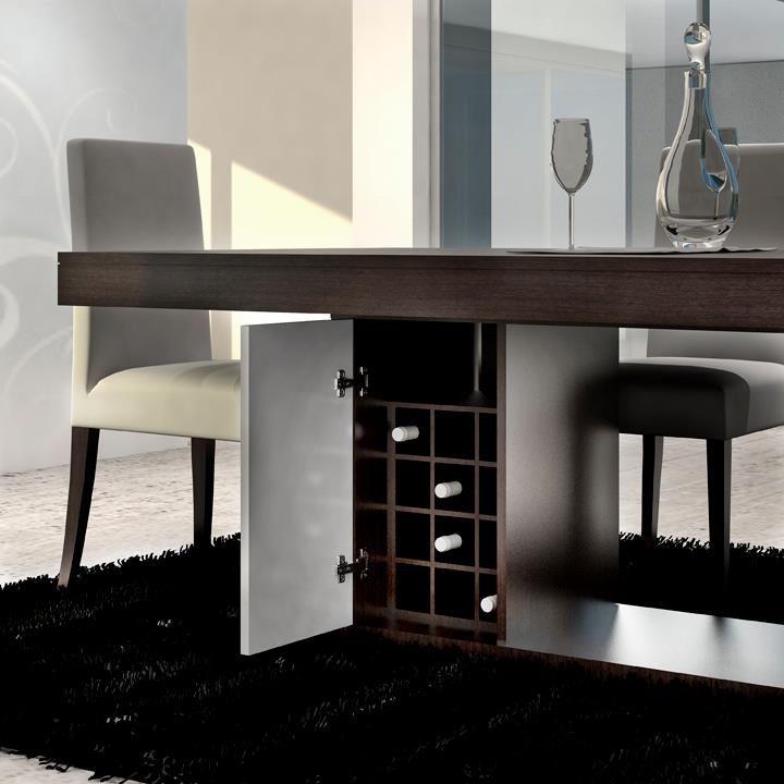 Mesa de jantar - Pormenor garrafeira * Cadeiras