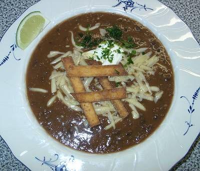 Chili und Ciabatta: Petras Schwarze Bohnensuppe