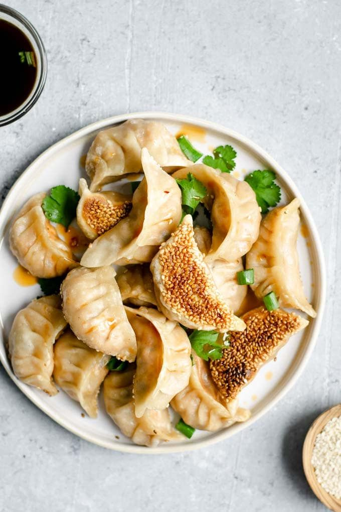 These delicious gochujang tofu dumplings have a spicy Korean-inspired filling an…