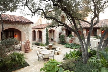Spanish Courtyards Homes Design, Pictures, Remodel, Decor and Ideas - @Liz Lemus @Elena Velaz - check out this link!