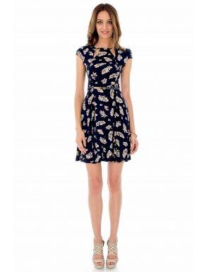Rochie bleumarin, cu imprimeu, Roh - Rochie din vascoza cu detalii decupate, rochie perfecta pentru sezonul de vara, este vaporoasa, practica si este prevazuta cu o curea finuta cu catarama metalica aurie si fermoar ascuns la spate.Culoare: bleumarin.Lungime centru spate: 89 cm.  Compozitie: 100% vascoza.<br/>Marimi disponibile: 36,38,40,42,44 Colectia Rochii mini de la  www.rochii-ieftine.net