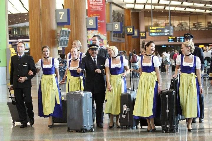 lufthansa crew in dindle dress