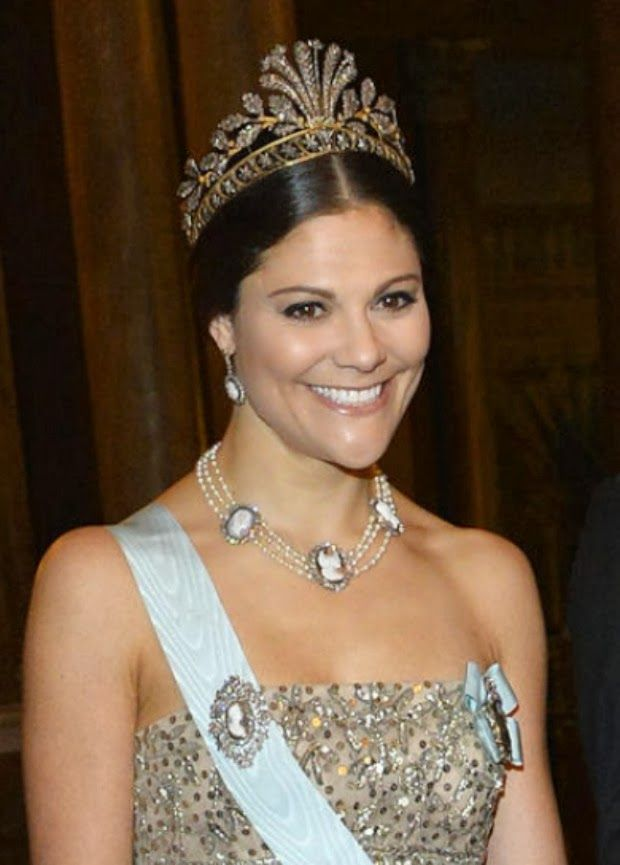 Swedish Crown Braid Tutorial: 1000+ Images About Swedish Royal Jewels On Pinterest