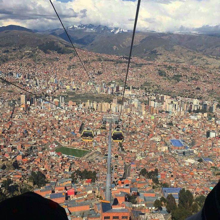 Feliz 6 de Agosto #Bolivia ! From the #lovely #LaPaz  #Fabulous photo by @nickii_aguirre  let's #explorelapaz together  #landscape_lovers #heavenonearth #thisisbolivia #estoesbolivia #unboliviable #amazingview #placetobe #placetogo #wanderlust #wanderer #lapazbolivia #lapazcity