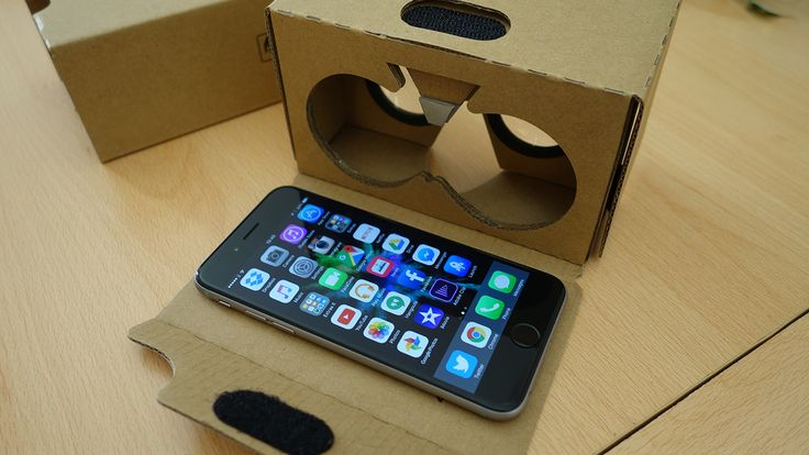 How to turn your Smartphone into A Virtual Reality Headset