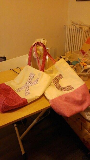 Tote bag monogramme petits cadeaux pour les collegues