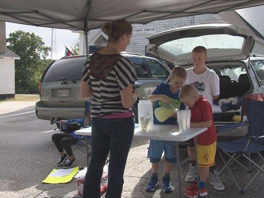 9/19/16  Siblings open lemonade stand for veteran's cemetery.  Acton, Maine