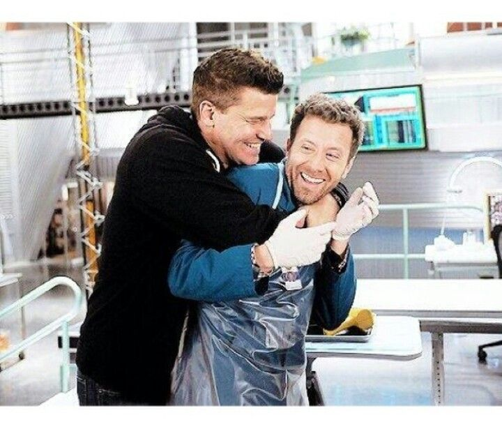 Booth and Hodgins fooling around in the lab, great tv show, series, love these guys, photo