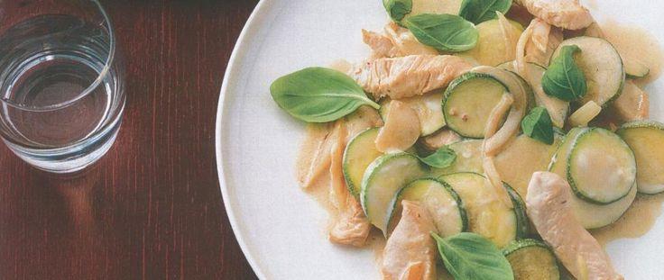 Il limone mischiato al formaggio magro fa venire l'acquolina in bocca, aggiungete poi il tacchino e le zucchine: piatto pronto per diabetici
