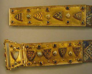 Mercados Medievales y Renacentistas: Ropa Histórica: Restos Arqueológicos del siglo XIII