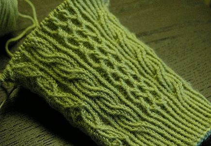 Twisted Stitch! Eunny Jang developing a beautiful sock pattern and sharing it with the rest of us!