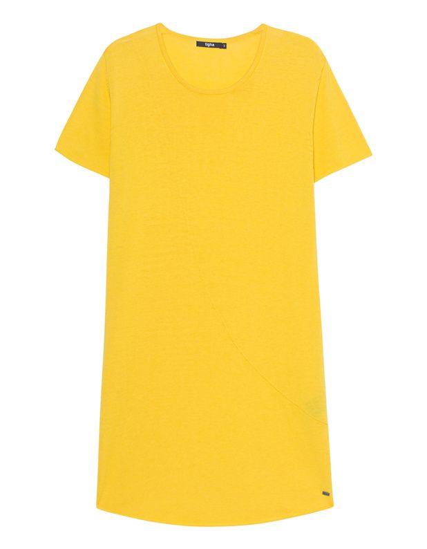 Feinstrick-T-Shirt Länger und schmal geschnittenes Feinstrick-T-Shirt in cleanem Gelb aus einem weichen Baumwoll-Seiden-Mix mit Rundhalsausschnitt, aufgerollten Säumen und vorderer Ziernaht.  Lässig-cool mit einem Touch Avantgarde - TIGHA setzt auf den neuen Look!
