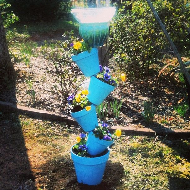 This is the final project that I made for mom's yard, the bird bath is hard to clean the way the instructions tell you to glue it on. See my Pin from the how to i used. Photo by eriqua