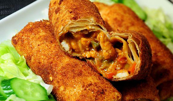 photo gepaneerde-gefrituurde-tortilla-bladeren-met-kipsate-vulling-hapje-snack_1_zps3c3c1d91.png