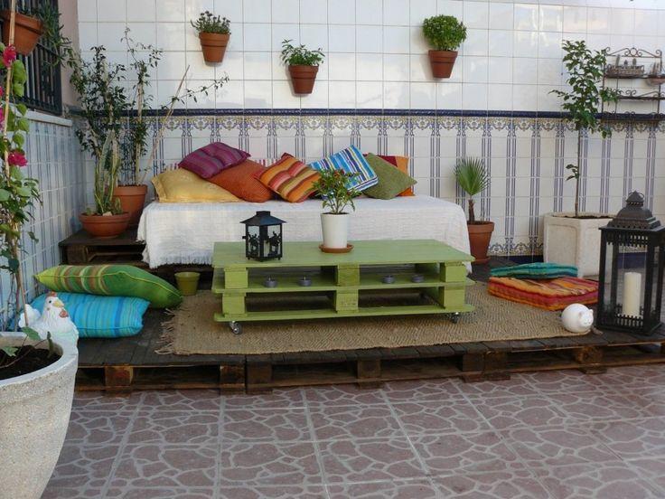 Resultado de imagem para cama feito de pallet de cor verde