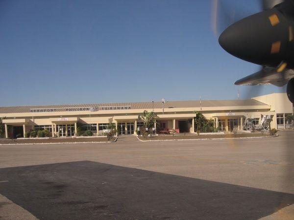 Amborovy Airport 002.jpg