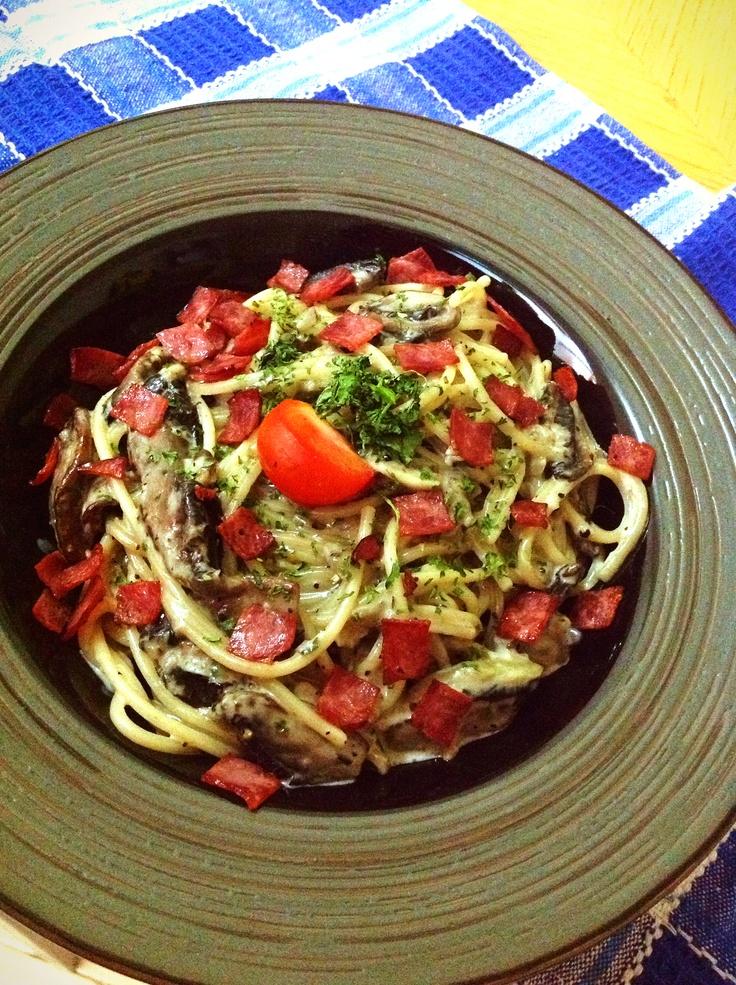 Spaghetti Carbonara with Portabello and Beef Bacon Fusilli Beef