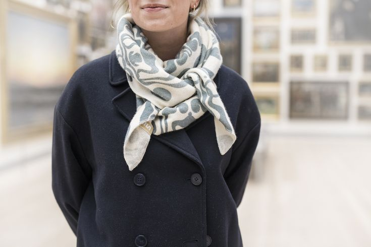 Soft og warm cashmere scarves are perfect for the Nordic winter. Our scarves comes in three colours and are decorated with patterns by Thorvald Bindesbøll.