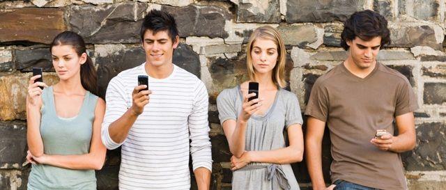 How has Social Media Change Society ? - SocialMaurice