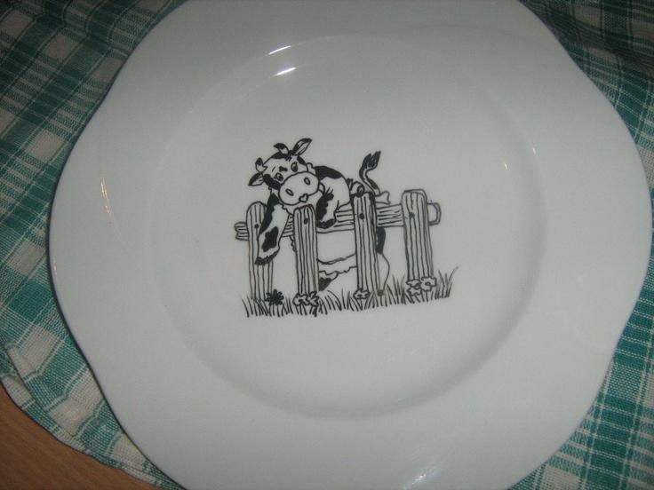 """Piatto """"mucca""""  disegno su ceramica casalingo"""