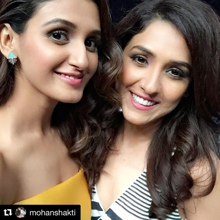#Repost @mohanshakti ・・・ Surprise by Didi @neetimohan18 on #DancePlus set Go #VoiceKids