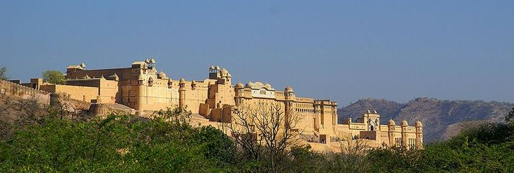 Jaipur - forts, bandhini, jootis, sand, gatte ki subzi and makki roti, shopping shopping, the most beautiful city of rajasthan