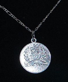 #jewelry#vintage#saleRoyal collectible Queen Elizabeth by Everjeweledvintage on Etsy