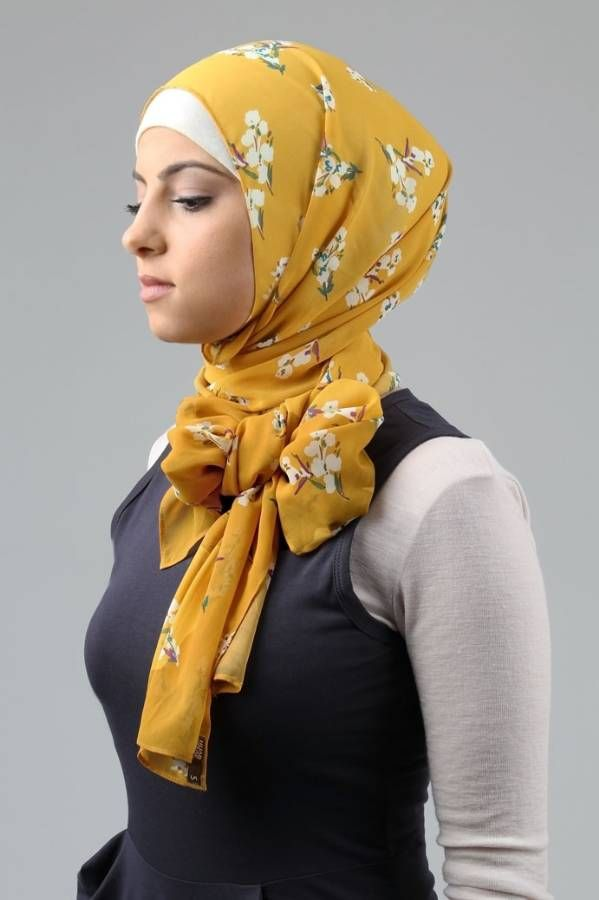 Chic hijab with bow