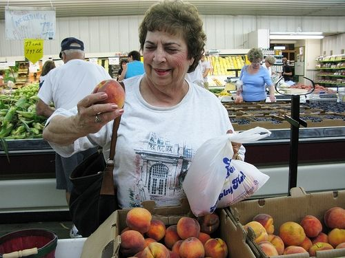 How to Know When a Peach is Ripe
