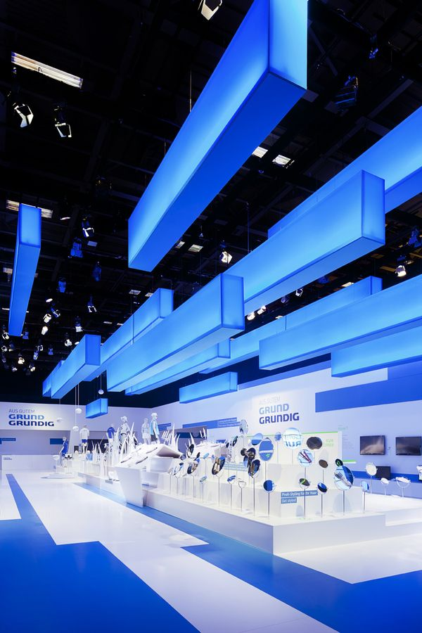 Retail Design | Store Interior | Shop Design | Store Design | blue to white | grundig on Behance