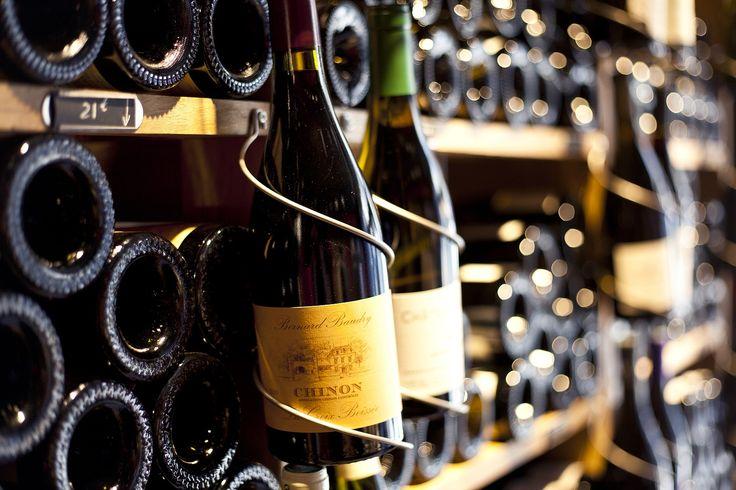 Weinregale zur Stapelung von Flaschen