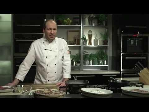 Pácolt húsok sütése - YouTube