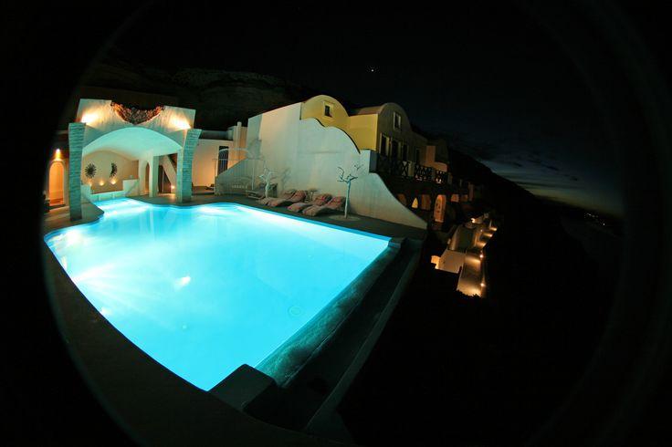 Peeking in luxury!  #AstarteSuites #Santorini #Summer16