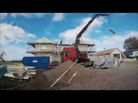 Husmontage av ett Myresjöhus - YouTube