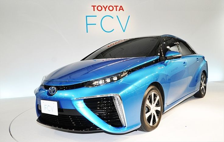 La Toyota lancia l'auto ad idrogeno