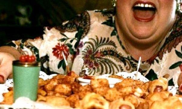 Come smettere di mangiare troppo, ecco tutti i trucchi - http://www.sostenitori.info/smettere-mangiare-tutti-trucchi/230233