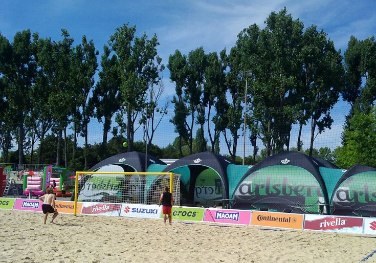 Carlsberg created a great lounge environment using multiple X-GLOO Event Tents connected with the optional Tunnel Parts.