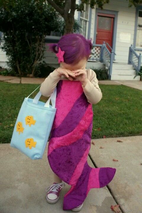 Emma needs to be a bubble guppy for Halloween!! @Darrell Mayberry @Crystal Moore