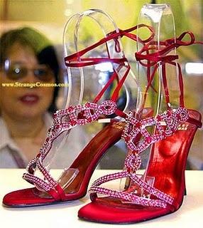 Los zapatos más caros del mundo Sandalias de rubíes de Weitzman
