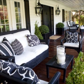 Southern front porchDecor, Ideas, Outdoor Living, Black And White, Front Doors, Black White, Back Porches, Outdoor Spaces, Front Porches