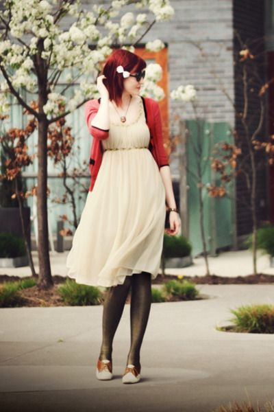 Sweet and soft. (from Vintage Redheads)  Red, off-white and black