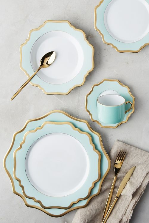 Gorgeous turquoise, white, and gold china with matching gold silverware. The perfect place setting. (affiliate link)