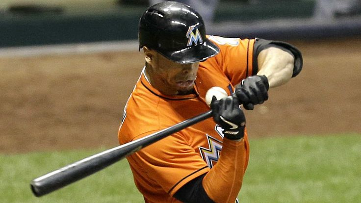 Marlins' Giancarlo Stanton suffers broken face when hit by pitch